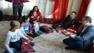 Photo of Kaymakam Duman, 23 Nisan'da Çocukları Unutmadı