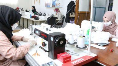 Photo of Eyyübiye'de Üretilen Maskeler Esnafa Dağıtılıyor