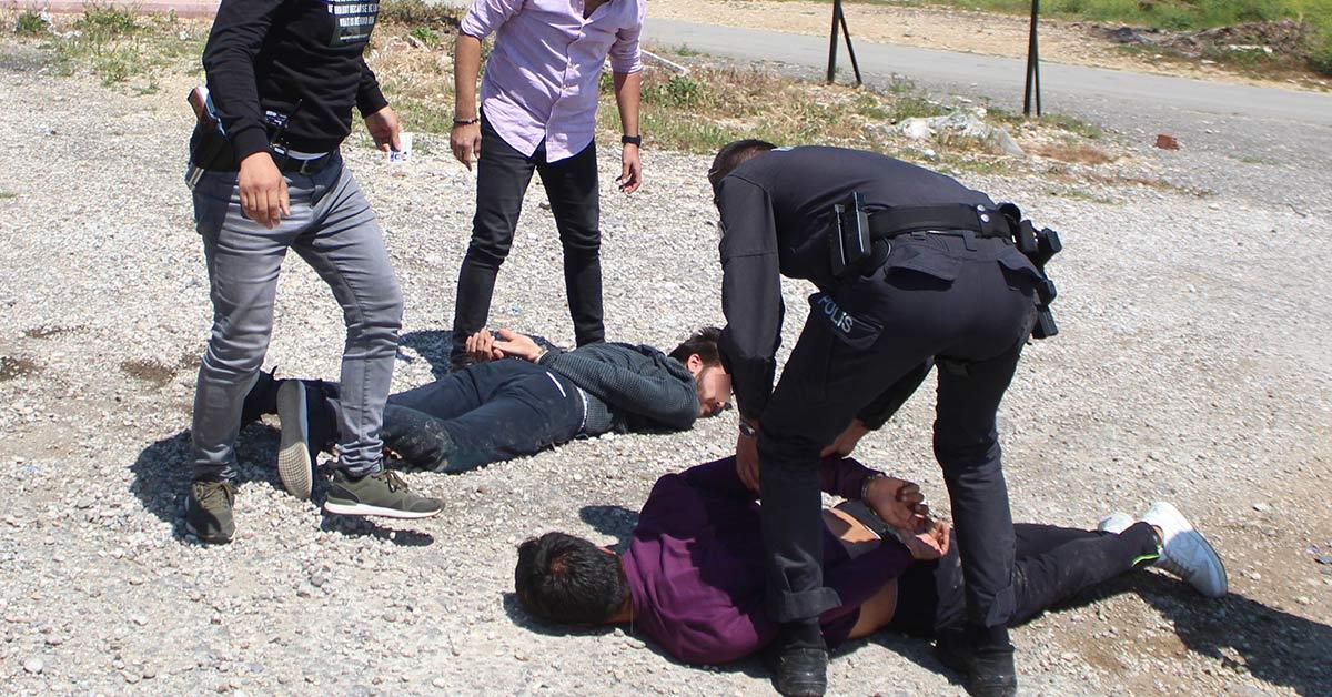 Polis ile Gençler Arasında Kovalamaca