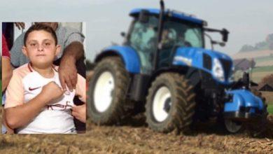Photo of Babsının Traktörünü Kaçıran Çocuk Yaptığı Kazada Can Verdi