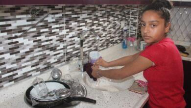 Photo of 'Annesizlik Böyle Bir Şey' Diye Ağlayan Kız Çocuğu Hem Anne Oldu Hem Abla