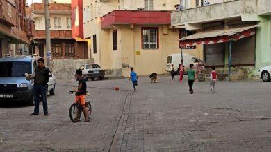 Photo of Evinin Önünde Oynayan 4 Yaşındaki Çocuğa Ceza Kesildi