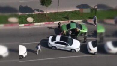 Photo of Trafikte Tartıştığı Kadınları Sopayla Darp Etti