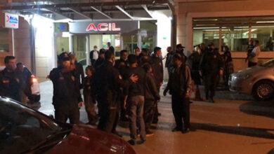 Photo of Göğsünden Tüfekle Vurdu! Husumetli Aileleri Yasak Da Engellemedi!
