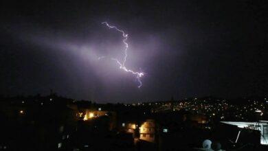 Photo of Şanlıurfa'da Şimşekler Gökyüzünü Aydınlattı