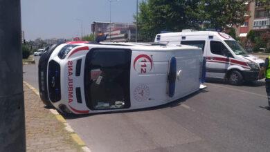 Photo of Hasta Taşıyan Ambulans Devrildi! 6 Yaralı