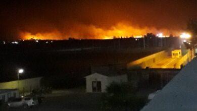 Photo of Urfa Sınırında Çıkan Büyük Yangın Geceyi Aydınlattı