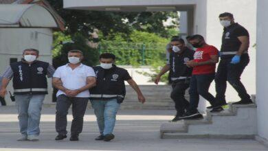 Photo of Adliyede hasımlarına silahlı saldırı