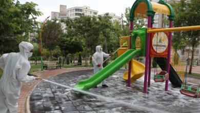 Photo of Karaköprü'de Parklar Ve Çocuk Oyun Grupları Dezente Edildi