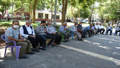 Photo of Urfa'da Muhtarlar oturma eylemi yaptı