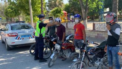 Photo of Şanlıurfa'da Motosiklet Sürücülerine Kask Dağıtıldı