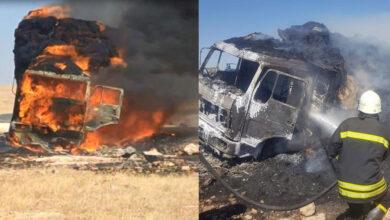 Photo of Şanlıurfa'da Saman yüklü kamyon yanarak kül oldu