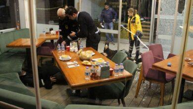 Photo of Lokanta Çalışanları ile Müşteri Arasında Silahlı Kavga! 1 Ölü 2 Yaralı