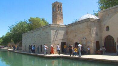 Photo of Şanlıurfa'da Tarihi Döşeme Camisi ibadete açıldı