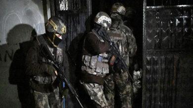 Photo of Urfa'da Ev Baskını! Çok Sayıda Silah ve Mühimmat Ele Geçirildi
