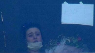 Photo of Covid-19 Hastası Sevgilisine Böyle Evlenme Teklifi Etti