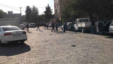 Photo of Şanlıurfa'da karakol önünde taşlı sopalı kavga