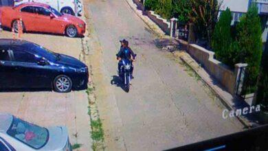 Photo of Gündüz vakti pes dedirten hırsızlık: Motosikleti böyle çaldılar