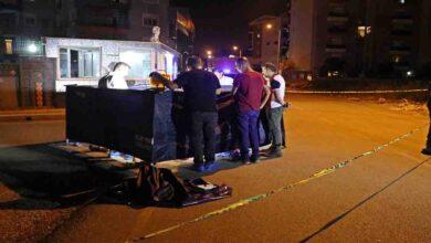 Photo of Ortağını sokak ortasında 3 bıçak darbesiyle öldürdü