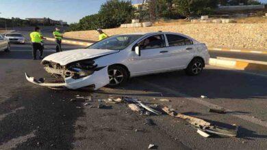 Photo of Otomobille çarpışıp karşı şeride geçti: 3 yaralı