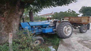 Photo of Traktörüyle seyir halindeyken hayatını kaybetti
