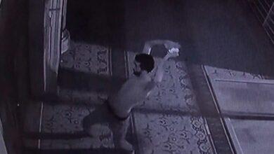 Photo of Şizofren hastası adam camiyi darmadağın etti