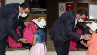 Photo of Minikler Hediyelerini Başkan Canpolat'tan Aldı