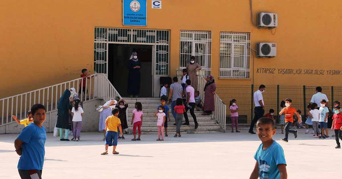 Urfa'da okullar açıldı