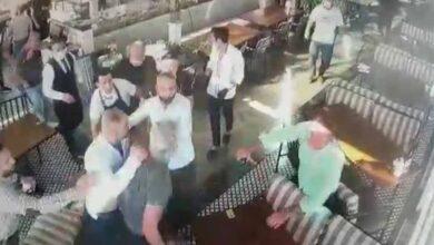 Photo of İş adamları restoranı birbirine kattı