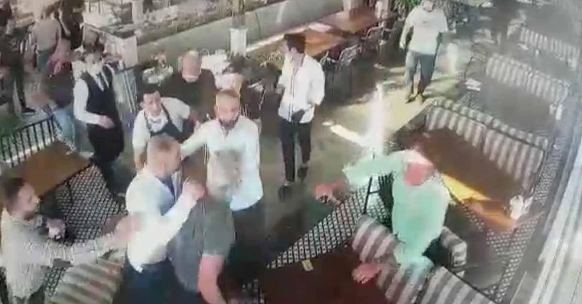 İş Adamları Kavga