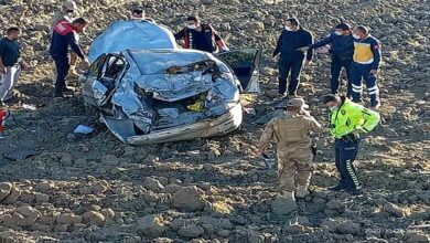 Photo of Otomobil şarampole yuvarlandı: 1 ölü, 1 yaralı