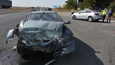 Photo of Siverek'te 2 otomobil çarpıştı: 3 yaralı