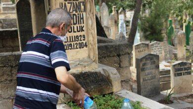 Photo of Şanlıurfa'da mezarlıklarda kandil yoğunluğu