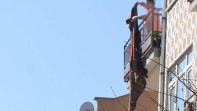 Photo of Şanlıurfa'da Sofra bezi silkelerken düşerek öldü