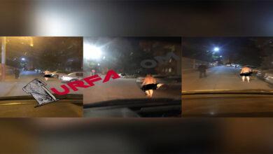 Photo of Şanlıurfa'da bir vatandaş akşam saatlerinde çırılçıplak sokakları gezdi.