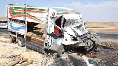 Photo of Urfa'da hayvan yüklü 2 kamyonet kafa kafaya çarpıştı