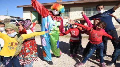 Photo of Urfa'da Köy çocuklarına palyaçolu, müzikli eğlence