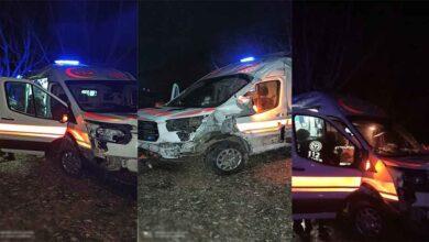 Photo of Hasta nakleden ambulans kaza yaptı: 3 yaralı
