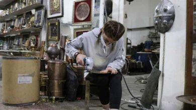 Photo of Türkiye'nin tek kadın kalaycısı
