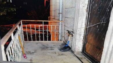 Photo of Eşinin evinin önüne bomba düzeneği kurdu