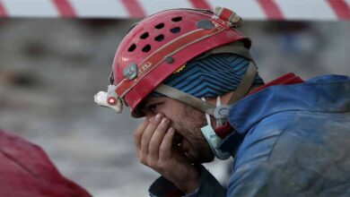 Photo of Arama kurtarma personeli gözyaşlarını tutamadı