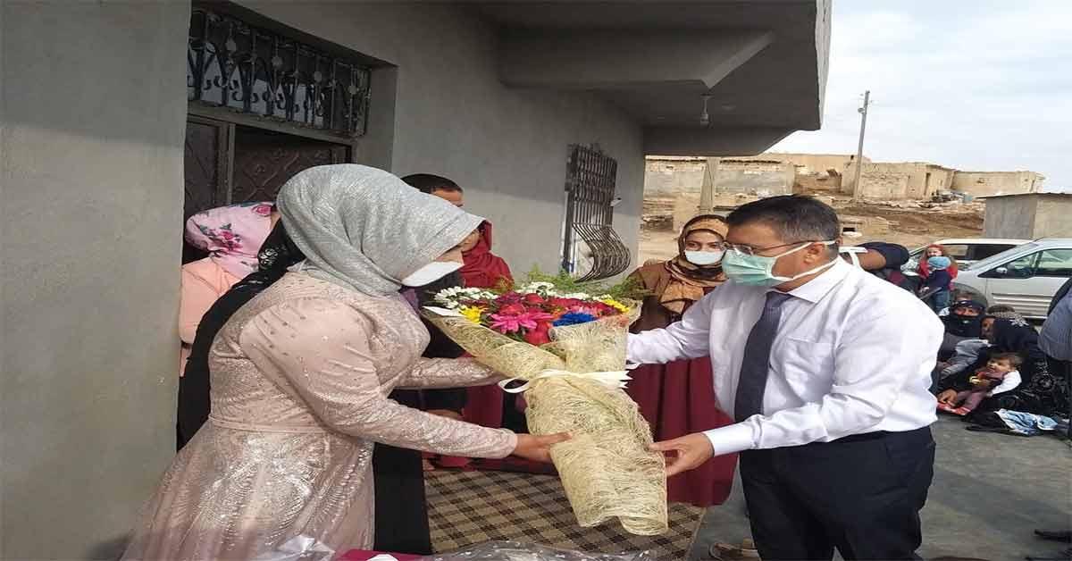 Urfa'da Doktor hastasının nişan törenine katıldı