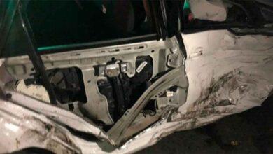 Photo of Kavşakta çarpışan araçlar hurdaya döndü