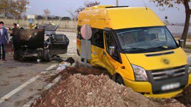 Photo of Minibüs ile otomobil çarpıştı: 7 Yaralı