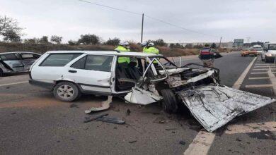 Photo of İki otomobil kafa kafaya çarpıştı: 1 ölü 2 yaralı