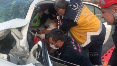 Photo of Urfa'da Bariyere Çarpan Araçta 2 Kişi Yaralandı