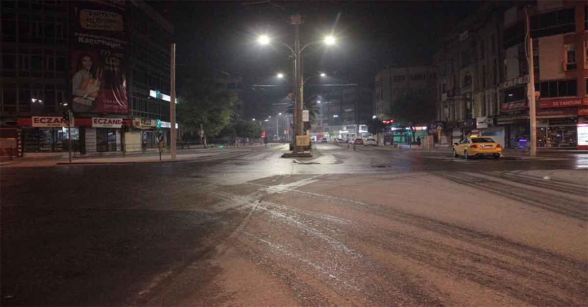 Urfa'da yollar bir anda sessizliğe büründü