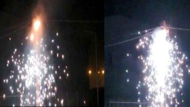Photo of Şanlıurfa'da elektrik direğindeği patladı