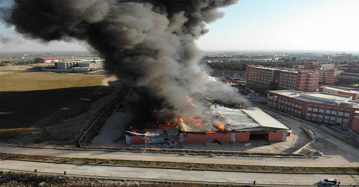 Harran Üniversitesinin deposunda yangın