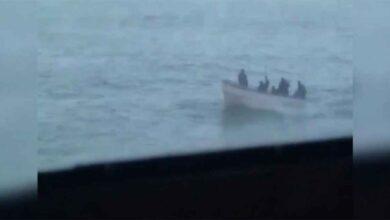 Photo of 15 mürettebatı kaçıran korsanlar ile iletişim kuruldu